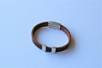 Bruin leren armband met Magneetslot en 2 schuivers